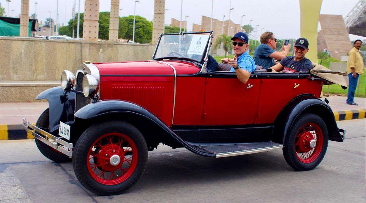 Strut around in Jaipur like true royalty