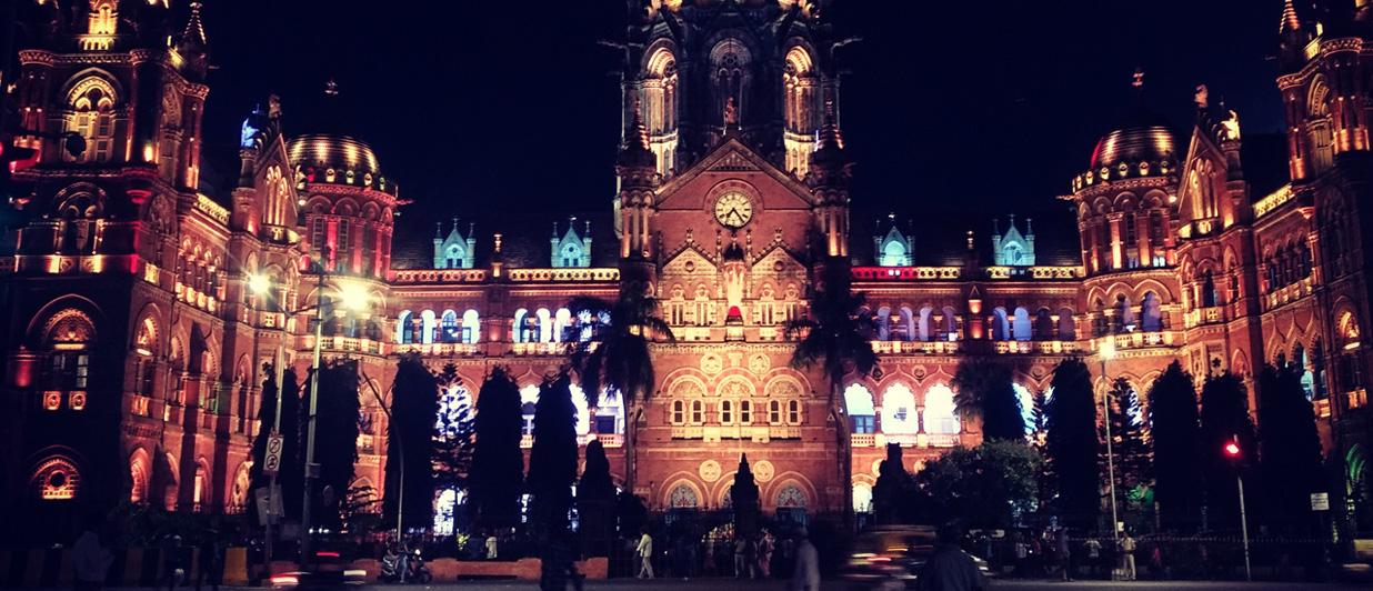 The dazzling evenings of Mumbai