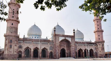 Fly Mumbai - Bhopal (afternoon city tour)