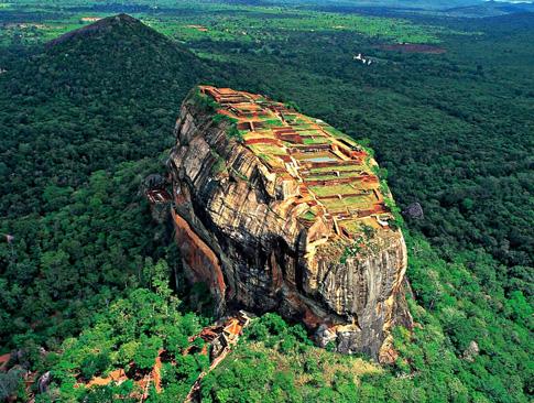 Negombo - Sigiriya (4.5 hrs drive)